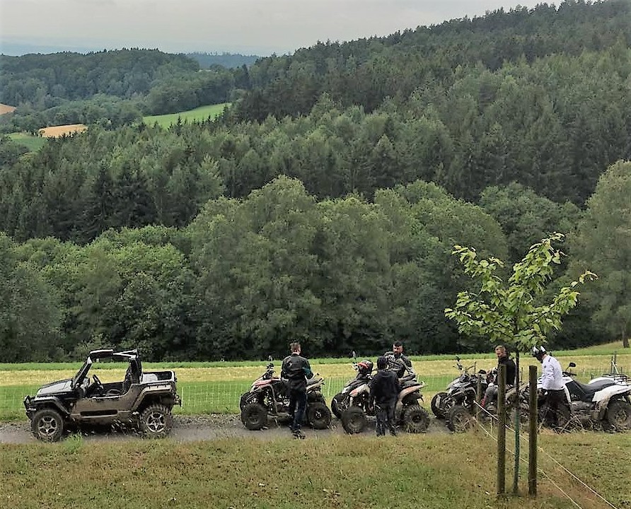 quad on und offroad tour bayrischer wald straubing atv quad tour. Black Bedroom Furniture Sets. Home Design Ideas